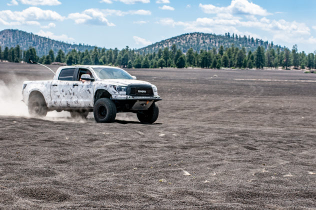 Bruces-2007-4x4-Long-Travel-SGU-Tundra-Build-Driving-Fast